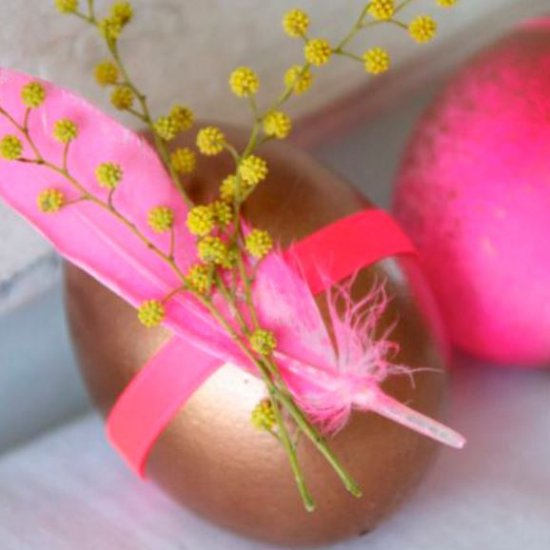 Bright pink Easter deco